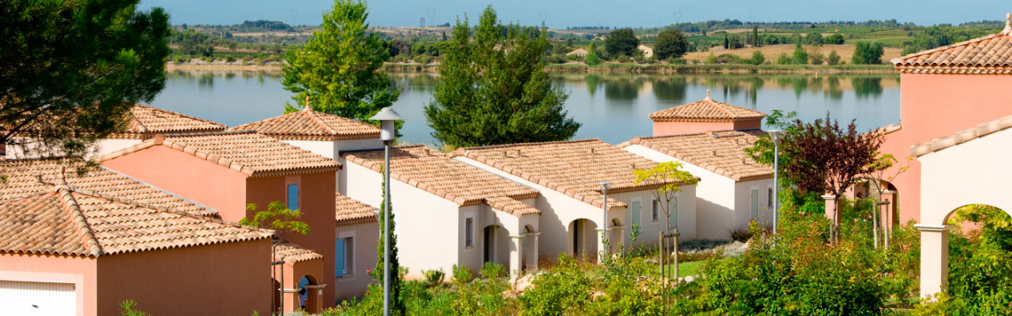 Holiday rental next to the sea : Port Minervois - les Hauts du Lac residence at Homps in aude in Languedoc-Roussillon next to the Canal du Midi