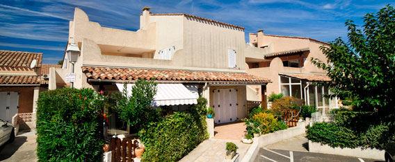 Holiday rental next to the sea : Samaria Village - Hacienda Beach residence at Cap d'Agde in Languedoc-Roussillon