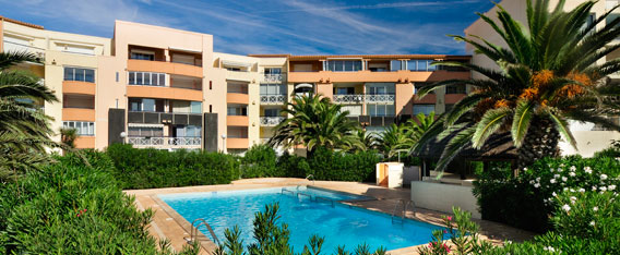 Holiday rental next to the sea : Savanna Beach - Les Terrasses de Savanna residence at Cap d'Agde in Languedoc-Roussillon