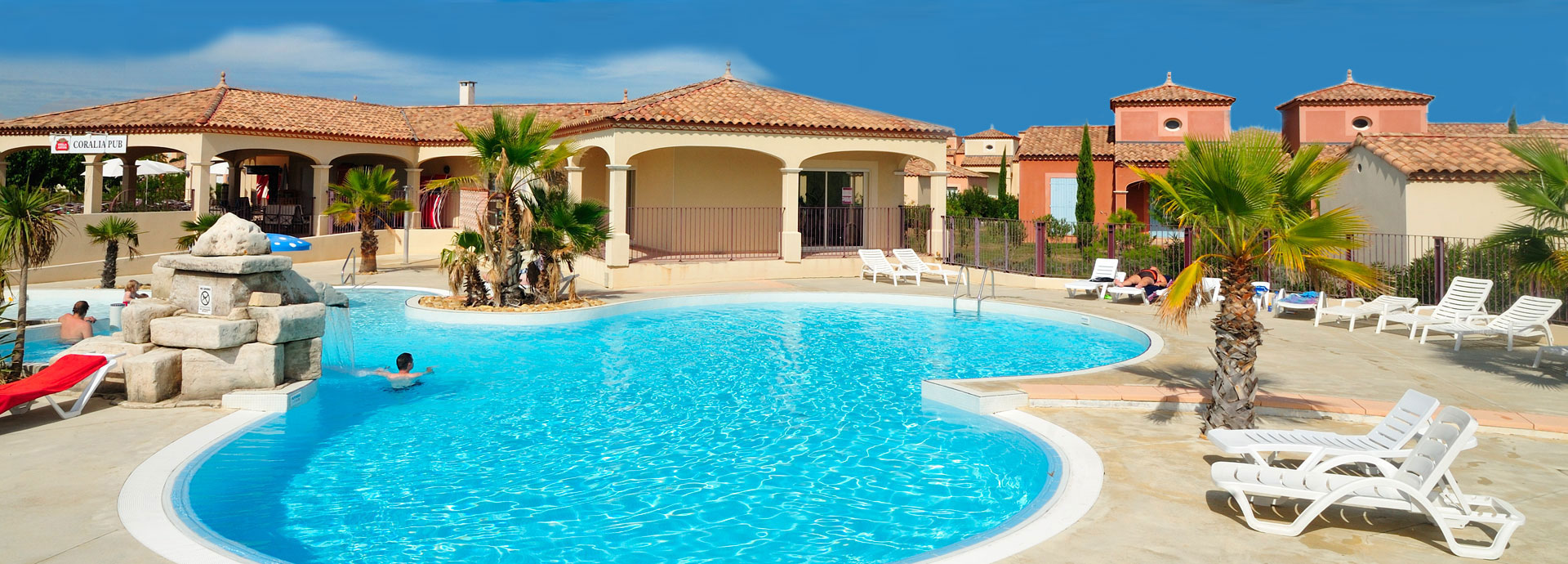 Delightful Holiday Rental In Residence With Swimming Pool : Coralia Vacances